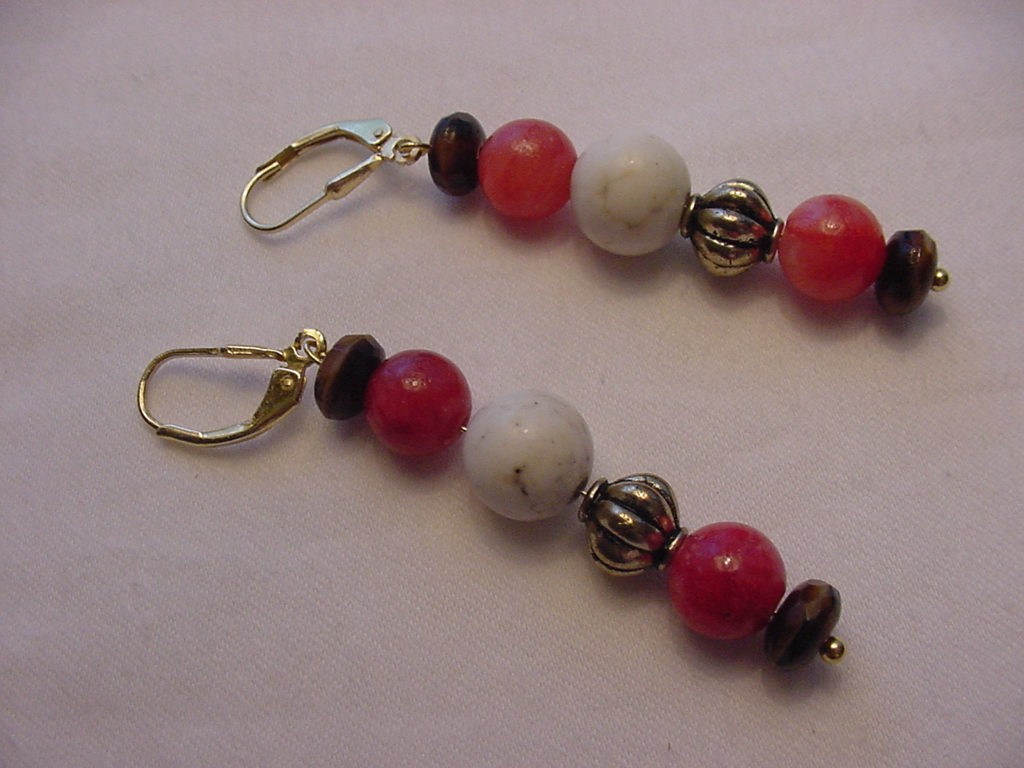 Unique Creations/Ozarks Coral/Ivory/Brown/Gold Beaded Drop Earrings