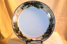 Gibson Tan Band Holly Leaves and Berries Christmas Dinner Plate - $5.54