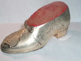 Antique Sewing Shoe Pin Cushion : Chicago , Tribune Tower - $30.00