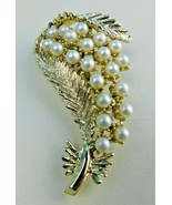 Vintage Signed BSK Show Stopper Faux Pearl Gold Tone BROOCH PIN Statement - $18.80
