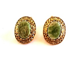Vintage Gold Tone Green Stone Jade? Oval Clip On Earrings - $8.00