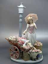 Lladro 01006809 Flowers For Everyone Women New  - $4,350.00