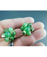 Vintage Hong Kong Earrings Clip On Bead Clusters Gold Tone Greens - $12.73