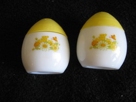 Avon Egg Shaped Salt & Pepper Shakers Collectible White & Yellow CL14-8   - $9.99