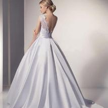 Sexy Illusion Backless Romantic Lace Ivory White Ball Gown Wedding Dress image 2