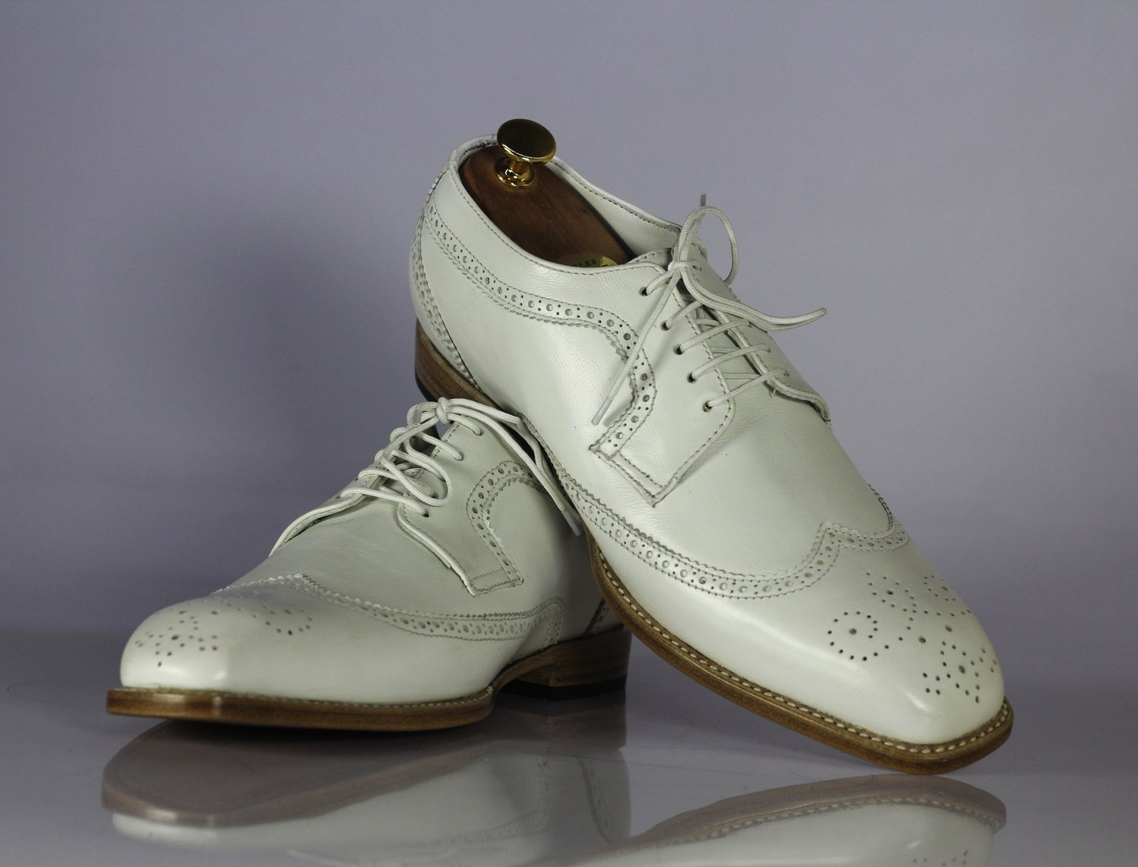 Handmade Men's White Heart Medallion Wing Tip Lace Up Dress/Formal Leather Shoes