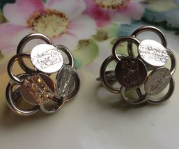 Vtg 50s Sarah Coventry Young & Gay Silver Tone Floral Engraved Clip On Earrings - $8.18