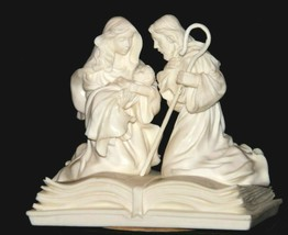 Pure White Music Box of Mary, Joseph and baby Jesus on a Bible AA19-1643 Vintag image 2