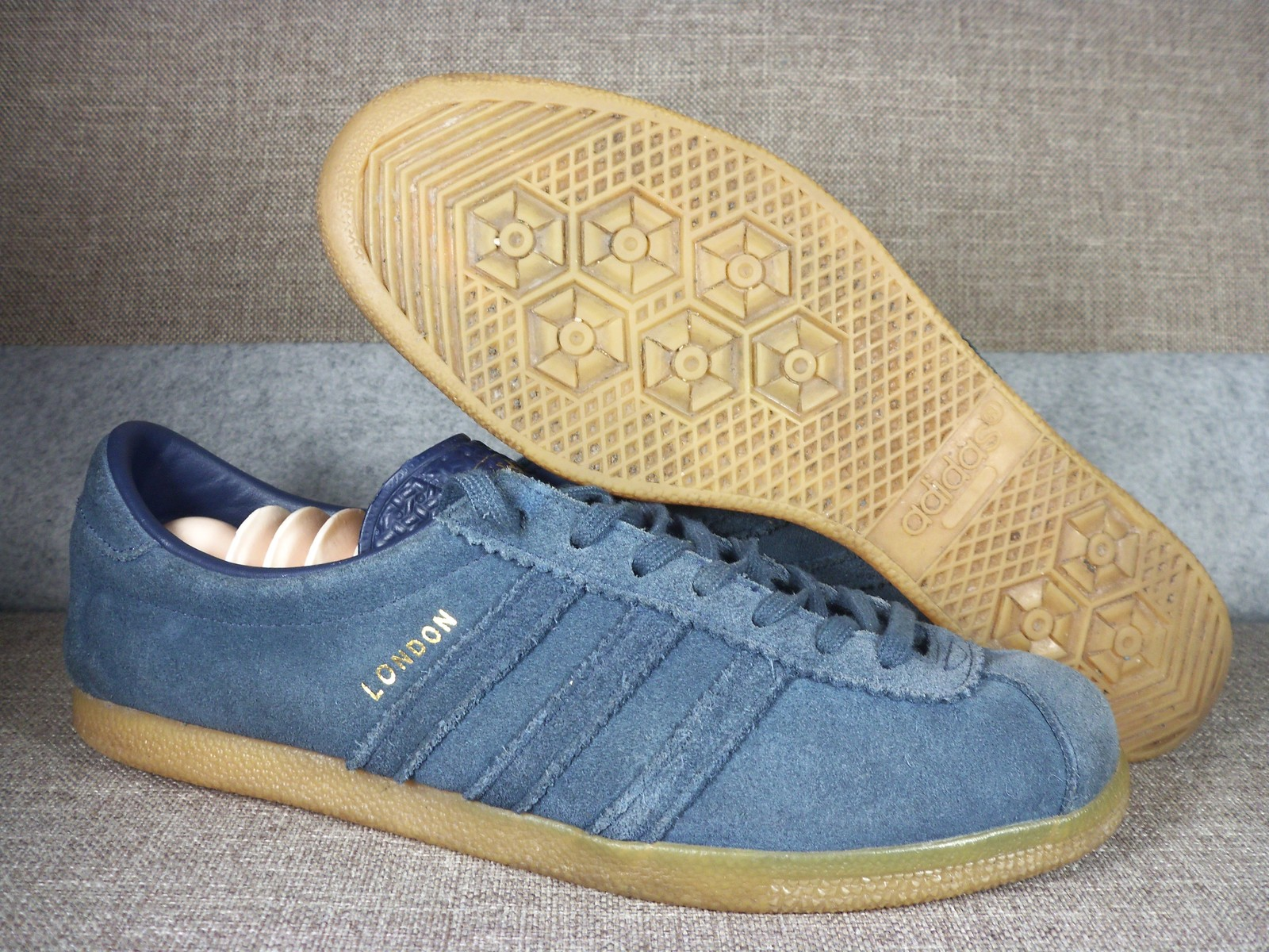 new concept 85b7f d6eee Adidas London Shoes Snaekers Uk 9 Us 9.5 and 50 similar items. 100 5397
