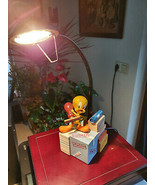 Extremely Rare! WB Looney Tunes Tweety Avenue of the Stars Figurine Lamp... - $366.30