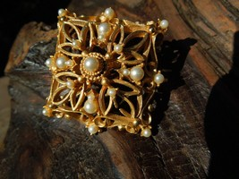 JJ Gold Tone Open Fretwork Faux Seed Pearl Vintage Brooch Pin - $29.70
