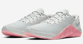 Nike Women's Metcon 5 Training Shoe Size 9.5 Pure Platinum/Oil Grey AO29... - €91,33 EUR