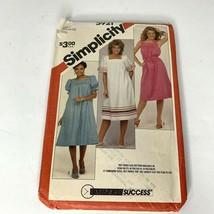 Simplicity Square Neck Dress Pattern #5921 Vintage Size 16 18 20 Uncut - $10.48