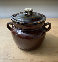 Vintage McCoy 9189 Pot with lid and handles image 2