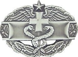 Army Medical Combat Medic 2ND Award Lapel Hat Pin - $18.04