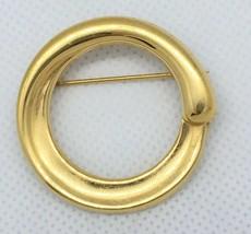 Monet Gold Tone Circle Round Brooch Pin ~ Elegant - $9.95