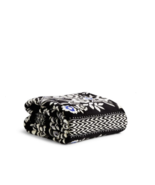 Vera Bradley Throw Super Soft Cuddle Warm Versatile Washable Micro Fleec... - $65.42 CAD