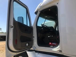 2015 FREIGHTLINER CASCADIA 125 For Sale In Madera, California 93638 image 9
