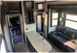 2017 Dutchmen Voltage 3305 with Hitch FOR SALE IN Fallbrook CA 92082 image 6