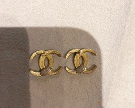 Authentic CHANEL CRESCENT MOON CRYSTAL CC Logo Stud Earrings Gold  image 7