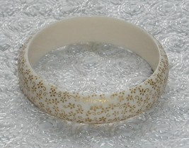 White plastic bangle w gold flower detail4 thumb200