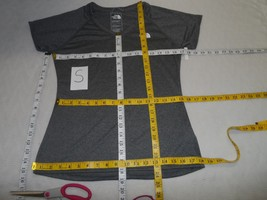 The North Face Women's Reaxion Amp V-Neck Short-Sleeve T-Shirt GRAY SIZE S - $13.43