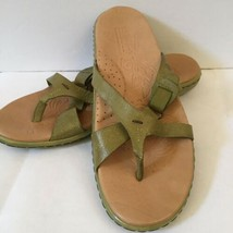 BORN Green Leather Flip Flops Sandals Size 9 Cushioned Foot Bed THONG - $29.69