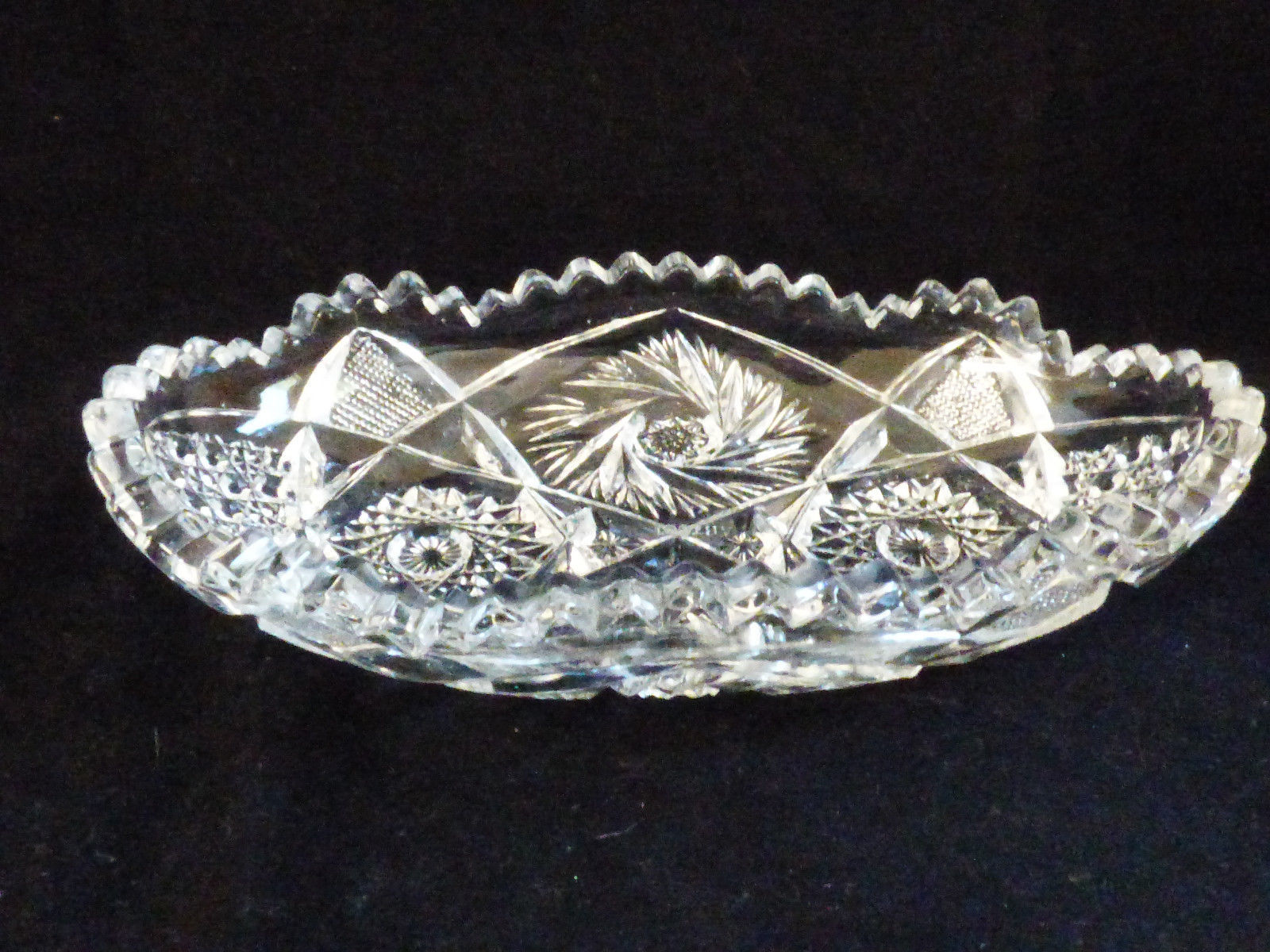 VTG EARLY AMERICAN ARTCUT PRESSED CUT GLASS BOWL RELISH DISH BON BON CANDY NUTS