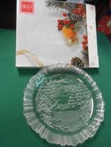 Beautiful NIB- MIKASA Serving Deep Dish CHRISTMAS Design - $6.64