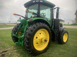 2017 John Deere 7210R Tractor FOR SALE IN Ubly, MI 48475 image 2