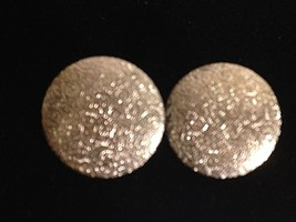 "Vintage Textured Silver Tone Metal Button Clip On Earrings 1.5"" - $10.26"