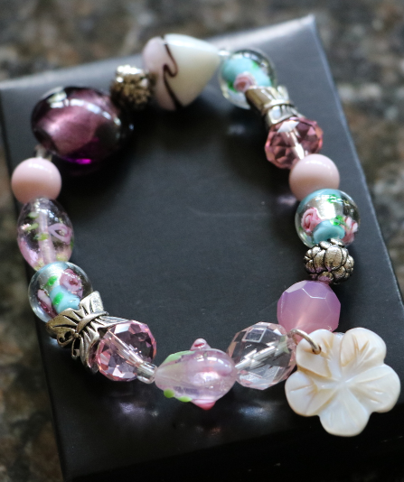 Pink Floral Glass Beaded Chic Avon Bracelet Flowers Butterflies Floral Strech