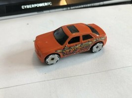 Hot Wheels Chrysler 300c Hemi Orange 2012 Mattel Fast Shipping - $9.89
