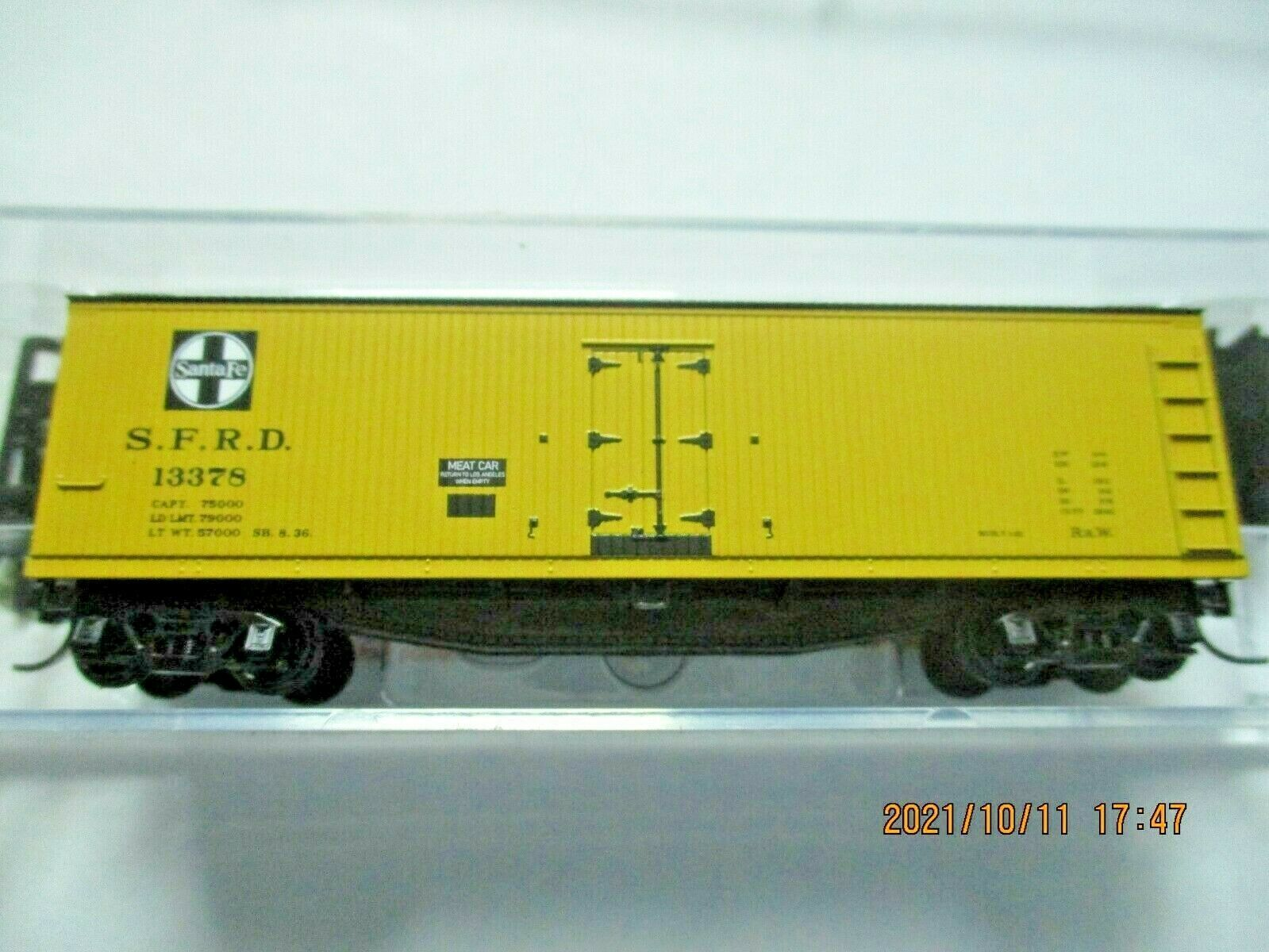 Micro-Trains Stock # 04900910 Santa Fe 40' Double-Sheathed Wood Reefer N-Scale