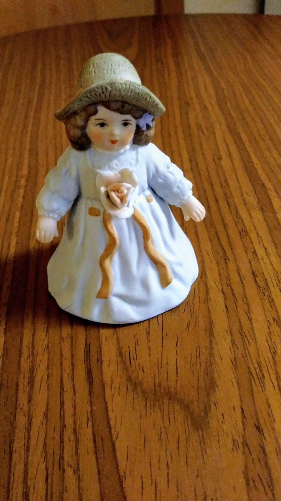 Giordano 1986 Handcraft Fine Bisque Porcelain Figurine Bessie H3805 Applied Rose