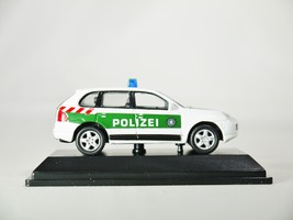 Real x collection 1 72 germany polizei car 512   porsche cayenne patrol car   05 thumb200