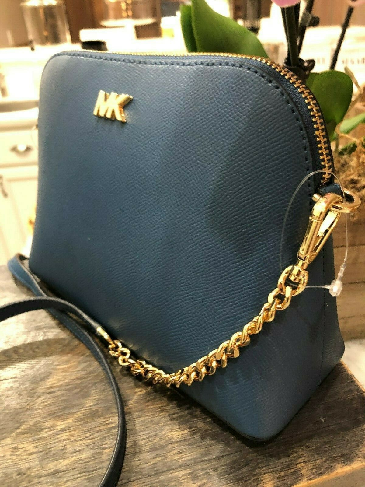 Michael Kors Mott Cindy Large Zip Dome Crossbody Bag Crossgrain Leather Chambray image 5