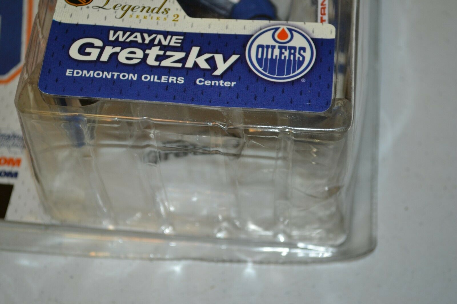 2005 McFarlane NHL Legends Series 2 Wayne Gretzky #99 Edmonton Oilers Figure image 7