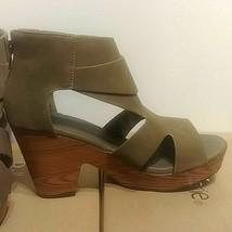 Women's Pierre Dumas Taupe PAM-4-434 Wedged Heel Sandal 6 NIB - $29.99