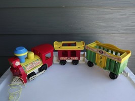 Vintage Fisher Price Little People Pull Toy Circus Train Engine and Cars... - $31.78