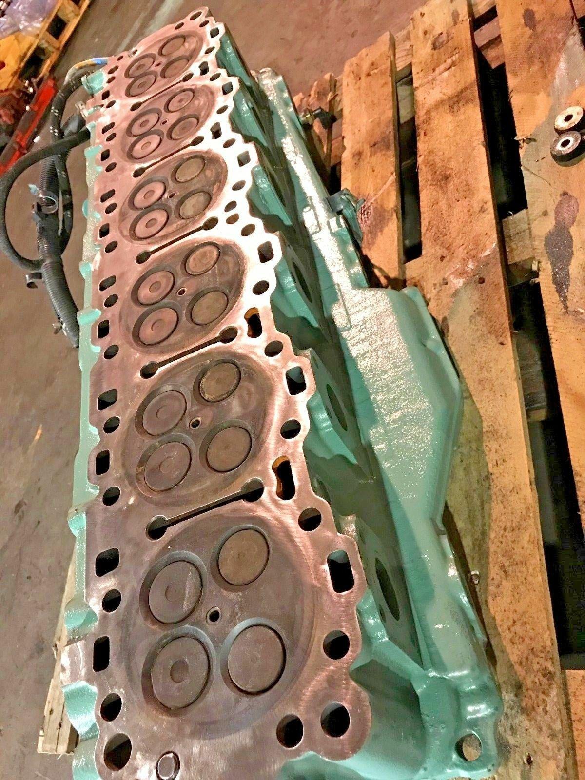 Detroit Diesel Series 60 SERIES 14L Engine Cylinder Head SCH1106137 OEM image 5