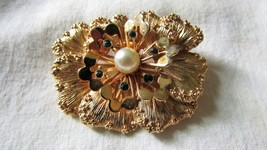 Lily Flower Pin By Sarah Coventry - $13.50