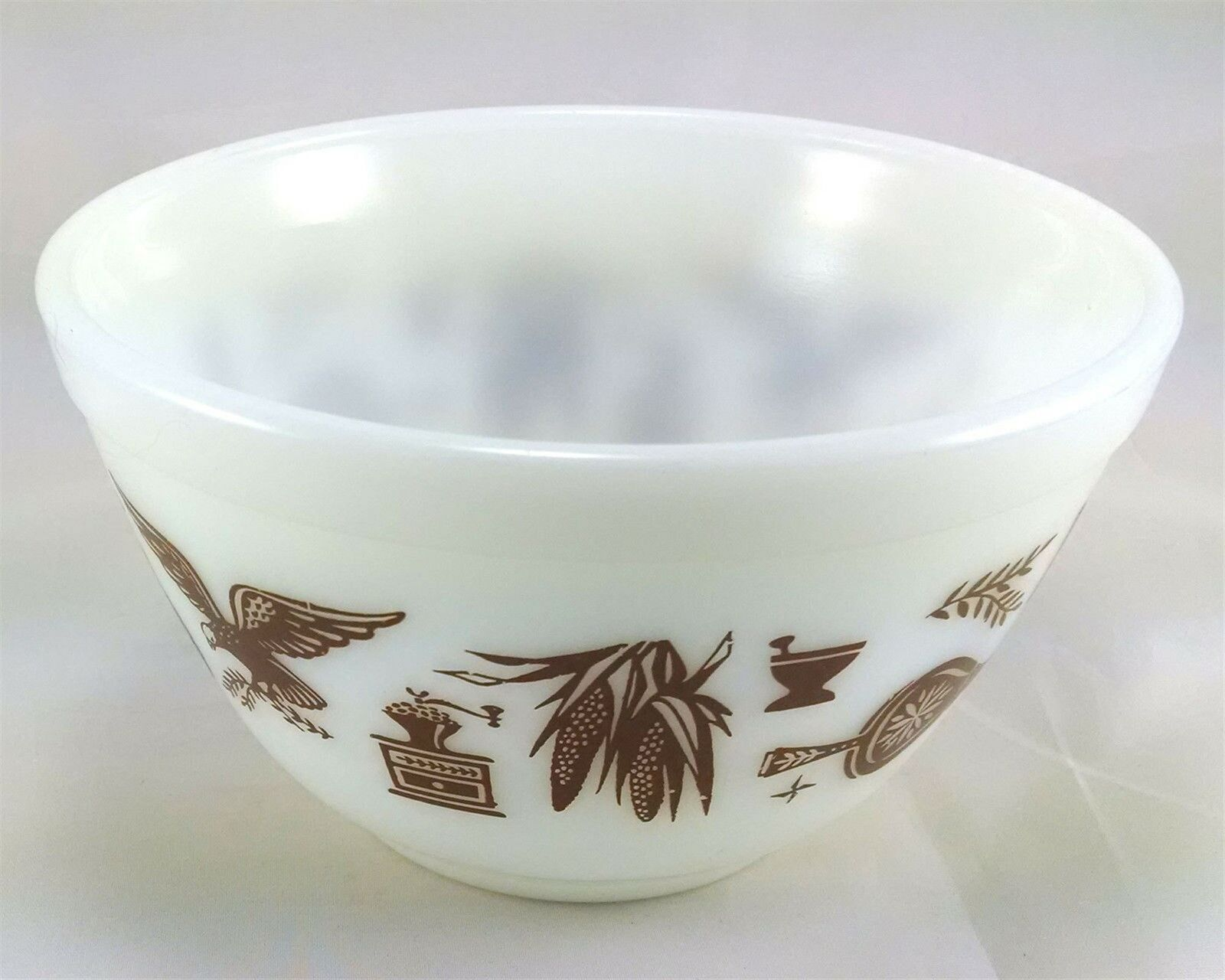 Pyrex 401 Americana 1 1/2 Pint Vintage Serving Mixing Bowl image 3