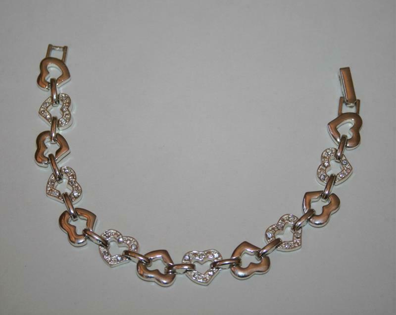 Avon Silvertone Crystal Open Heart Bracelet  J345 image 4