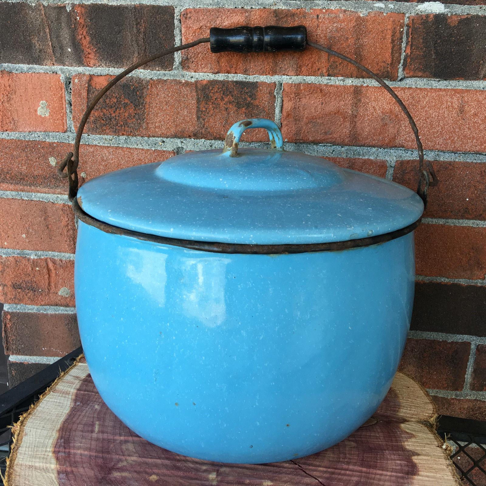 "VTG Enamelware Pail Kettle Blue Stock Pot Lid Wood Handle 10"" Estate camping"