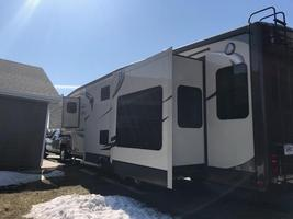 2014 Jayco Pinnacle 36' 5th wheel camper For Sale in Mitchell, South Dakota  image 2