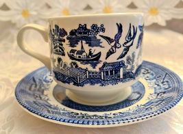 2 Sets Churchill Blue Willow Cup & Saucer Made in England image 3