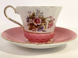 Aynsley Pink & Floral Pattern 2958 Bone China Cup and Saucer Set With Go... - $25.74