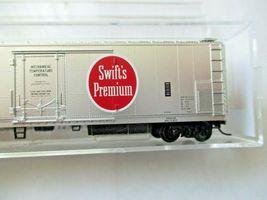 Micro-Trains # 06900240 Swift Refrigerator Line 51' Mechanical Reefer (N) image 3