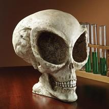 Alien Skull Statue Extra-Terrestrial Halloween Decoration Tabletop Desk ... - $946,17 MXN